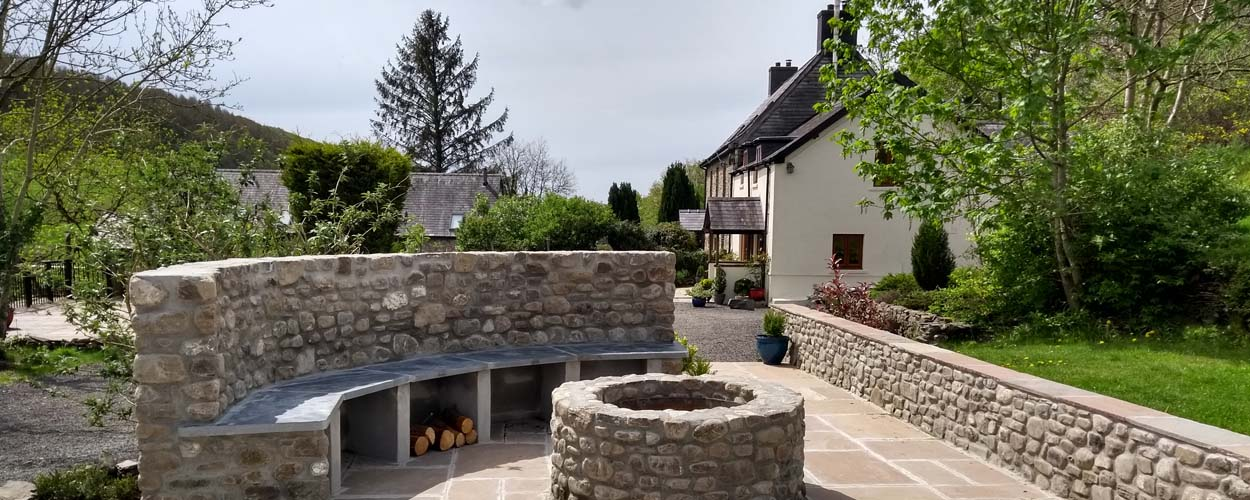 Enjoy the Dark Skies at Basel Cottage and keep warm with the Fire-pit
