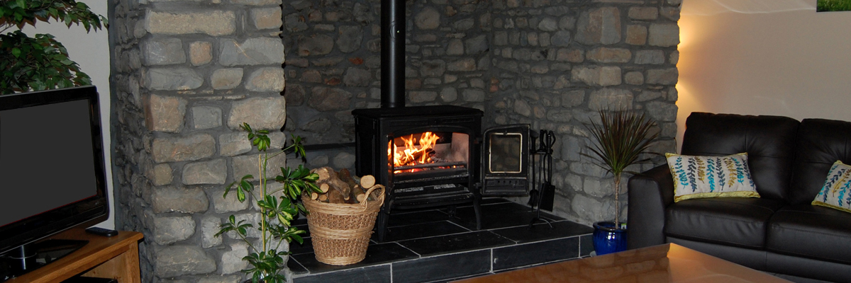 Romantic Breaks at Basel Holiday Cottage in Llandovery, Wales